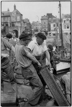 © Henri Cartier-Bresson/Magnum Photos FRANCE. Basse-Normandie. Calvados. Honfleur. 1955.