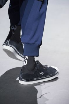 Y-3 Fall 2018 Men's Fashion Show Details - The Impression