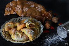 Na Svatého Martina nesmí chybět na stole pěkně vypečená husička a martinské rohlíčky. U nás se dělají s ořechovou náplní, ale můžou se ...