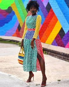 Pop of colours Via: ~Style Muse Africa Mode Outfits, Fashion Outfits, Chic Outfits, Look Street Style, African Traditional Dresses, Black Girl Fashion, Fashion Top, Dress Images, Maxi Dress With Sleeves