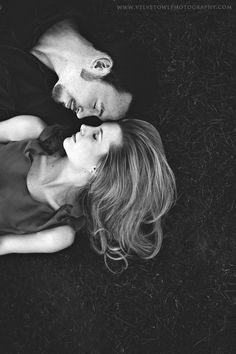 Ideas wedding photography classic black and white. couple in love photography, classic photography, couple photography poses, couple portraits, engagement Couple Photography Poses, Couple Portraits, Love Photography, Engagement Photography, Wedding Photography, Creative Couples Photography, Sweets Photography, Pinterest Photography, Perspective Photography