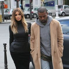 Kim Kardashian & Kanye West: Lunch Lovers in Paris!: Photo Kim Kardashian locks arms with her fiance Kanye West as they leave lunch together after dining at L'Avenue on Sunday afternoon (January in Paris, France. Kim Kardashian Kanye West, Estilo Kardashian, Kim And Kanye, Kardashian Style, Kardashian Jenner, Kim K Style, Style Me, Fashion Idol, Fashion Art