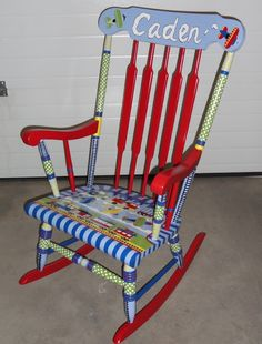 Swirls and Stripes: Chairs for boys Painted Rocking Chairs, Childrens Rocking Chairs, Furniture Projects, Furniture Makeover, Diy Projects, Nursery Rhyme Theme, Nursery Rhymes, Rocking Chair Makeover, Diy Storage