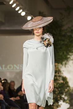 Madrinas de boda con estilo: buscando tu look perfecto.