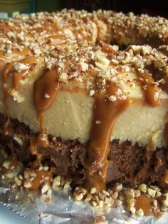"""The Not So Impossible Cake - Chocoflan (""""Pastel Imposible""""). Chocolate Cake layered with Flan, drizzled with Carmel and Nuts! Mexican Food Recipes, Sweet Recipes, Cake Recipes, Dessert Recipes, Mexican Desserts, Mexican Flan, Hispanic Desserts, Filipino Desserts, Cupcakes"""
