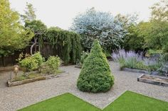 Real Estate Report: A Lovely Thomas Church Garden (House Included) in Woodside | California Home + Design