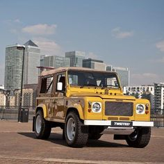 Land Rover Defender 90 Td4 soft top canvas Customized Twisted RETRO EDITION. Very nice finished.