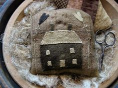 Little Brown House Applique ~ Pineberry Lane Wool Applique Patterns, Felt Applique, Wool Quilts, Mini Quilts, Hand Work Embroidery, Wool Art, Penny Rugs, Pin Cushions, Pillows