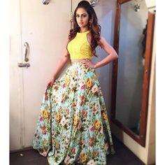 63 Super Ideas For Wedding Indian Lengha Crop Tops Indian Wedding Outfits, Indian Outfits, Indian Clothes, Western Dresses, Indian Dresses, Silk Lehenga, Anarkali, Indian Lengha, Floral Lehenga