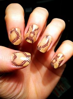Rattlesnake nails :) A nice change from the typical zebra or leopard patterns.