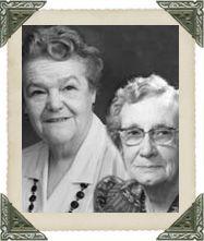MARIE-ANGE VAILLANCOURT-GENEST (1901-1997) et ESTELLE BUREAU (1922-2007)   Alors que la plupart des femmes de leur génération menaient une vie plutôt discrète à l'égard de la vie publique, il en fut tout autrement pour mesdames Genest et Bureau qui s'impliquèrent dans le développement communautaire et économique de Compton et de la région. Venez partager près d'un siècle d'histoire et d'engagement dans un village où s'enracinent de nombreuses familles originaires de la Beauce et de…