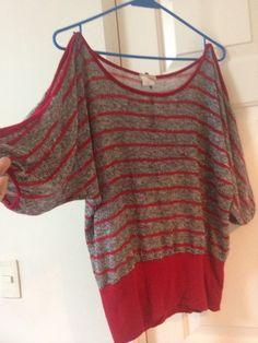 1) Blusa lineas rojas ( frente)  Talla M  $80  *pocas puestas **Vendida