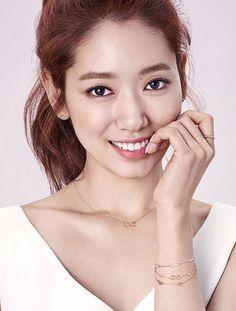 Park Shin-Hye's new Agatha Paris photos revealed