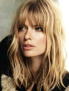 Love Long hairstyles with bangs? wanna give your hair a new look? Long hairstyles with bangs is a good choice for you. Here you will find some super sexy Long hairstyles with bangs, Find the best one for you, Medium Hair Styles, Short Hair Styles, Hair Medium, Medium Cut, Medium Long, Hair Fringe Styles, Medium Waves, Layered Hair With Bangs, Mid Length Hair Styles With Layers