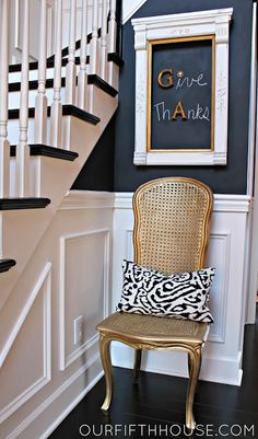Chalkboard paint with magnetic primer.....AWESOME!