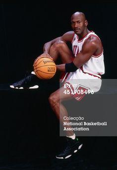 Fotografia de notícias : Michael Jordan of the Chicago Bulls poses for a...