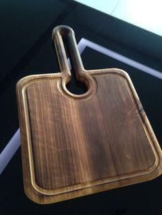 Diy Cutting Board, Wood Cutting Boards, Wood Chopping Board, Desk Organization Diy, Kitchen Board, Cnc Projects, Wooden Kitchen, Raw Wood, Wooden Crafts