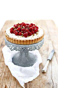 ... raspberry tart with mascarpone, condensed milk & ricotta cream ...