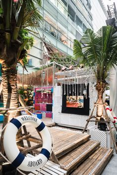 superfuture :: supernews :: bangkok: the em district world's pop-up beach