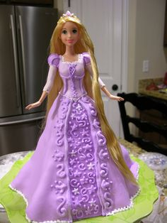 Tangled doll cake