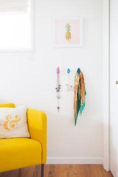 Aww, SamDIY flamingo wall hooks Flamingo fever Pinterest