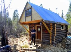 This man built a tiny log cabin with the help of friends for only $500 in the northern woods of Canada on a private plot of land. He did it with no building codes because the land is privately owne...