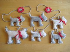 Scottie Dog Garland. With link to patterns of the dog and the flower