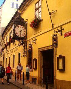 The Top 10 Cultural Bars in Prague
