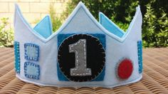 This felt birthday crown is sure to make your little one stand out with style! The center circle is reserved for your childs birthday number or first