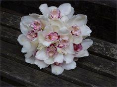 hand tied bouquet - WESTLONDONFLOWERS.COM
