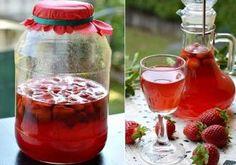 Cum preparăm în casă Căpșunată sau Lichior de căpșuni Nutella, Hot Sauce Bottles, Food And Drink, Drinks, Caramel, Muffins, Cheesecake, Lime, Mascarpone