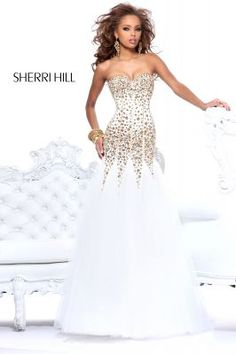 Okay! I'm in LOVE with this dress!!!!! Sherri+Hill+21108