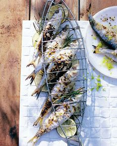 Grilled fishes | More photos http://petitlien.fr/designpoisson