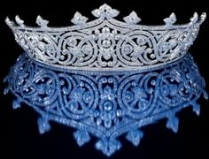 Russian Kokoshnik tiara introduce in 17 century for women head cover. Russian style tiara was invited for the request of Queen Alexandra on her silver anniv… Royal Crowns, Royal Tiaras, Crown Royal, Tiaras And Crowns, Royal Jewelry, Vintage Jewelry, Fine Jewelry, Diamond Tiara, Circlet