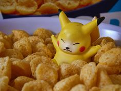 Pikachu Pokédex: stats, moves, evolution & locations ...