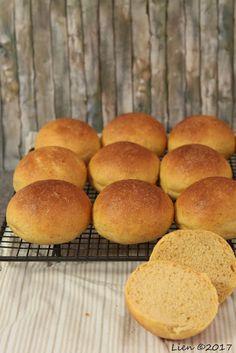 Notitie van Lien: Bread Baking Babes bake seasonal bread (or rolls)