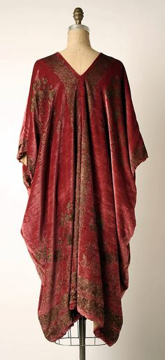 Evening coat  Mariano Fortuny (Spanish, Granada 1871–1949 Venice)  Design House: Fortuny (Italian, founded 1906) Date: probably 1920s Culture: Italian Medium: silk