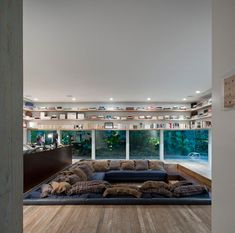 Are you kidding tme with this room?! YES PLEASE. Yucatan House in Brazil by Isay Weinfeld Photo