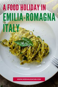 Discover what to eat in Emilia-Romagna cities. You'll love Emilia-Romagna food on this Italian city break. #EmiliaRomagna #Italy #TravelItaly #EmiliaRomagnaFood Love Food, A Food, Food And Drink, Weekend City Breaks, European City Breaks, World's Best Food, Travel Around Europe, Best Street Food, Foodie Travel