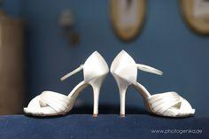 Hochzeit Brautschuhe Peeptoe weiß Satin und Pfennigabsatz