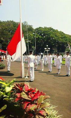 Upacara Pengibaran Bendera, Balaikota Malang   August 2014