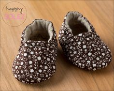 Vintage Brown Flowers Eco Friendly Baby Booties, Crib Shoes, Soft Sole, Eco Friendly, Fashions for Baby Little Girl Fashion, Kids Fashion, Brown Flowers, Baby Fashionista, Baby Boots, Crib Shoes, Niece And Nephew, Toddler Shoes, Cool Baby Stuff