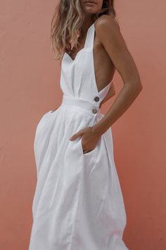 Minimal big day dresses, minimal sexyhomecoming clothes, and semi-formal graphic designer dresses. Casual Evening Dresses, Casual Dresses, Fashion Dresses, Maxi Dresses, Elegant Dresses, Dress Outfits, White Dress Casual, Dress Black, White Dress Outfit