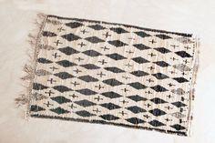 A Little STAR DUST CAUGHT 8'x5' Boucherouite Rug. par pinkrugco