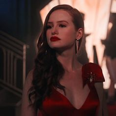 Hurt but proud. Cheryl Blossom Riverdale, Riverdale Cheryl, Madelaine Petsch, Icon Girl, Cheryl Blossom Aesthetic, Veronica, Archie Comics Riverdale, Riverdale Aesthetic, Riverdale Funny