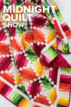 This one's a total strip show! (Well, sort of.) Tune in for strip-piecing secrets that can help you breeze through the blocks, sashing and border of a beautiful quilt. Longarm Quilting, Free Motion Quilting, Quilting Tips, Quilting Tutorials, Machine Quilting, Quilting Projects, Quilting Designs, Strip Quilts, Scrappy Quilts
