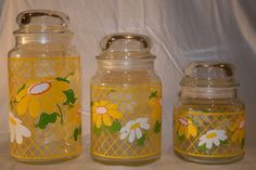 Set of Three Canisters with Lid with Seal Great colors-- Yellow, White and Lime Green Clear glass canisters and glass lid with seal to keep things fresh. These adorable canisters would live Vintage Canister Sets, Vintage Tins, Vintage Love, Vintage Yellow, Vintage Kitchen, Vintage Decor, Retro Vintage, 70s Kitchen, Retro Kitchen Accessories