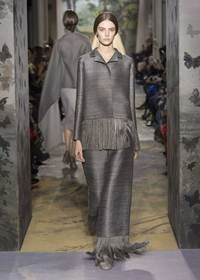 Valentino Haute Couture line: the subtle suggestion of an intriguing and contemporary dream.