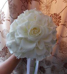 Νυφική ανθοδέσμη μεγάλο τριαντάφυλλο