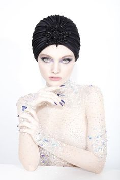 Galleries of haute couture and ready to wear hat collections and handbags. Philip Treacy Hats, Isabella Blow, How To Make Decorations, Turban Hat, Hijab Tutorial, Headpiece Wedding, Hat Pins, Hat Making, Hats For Women